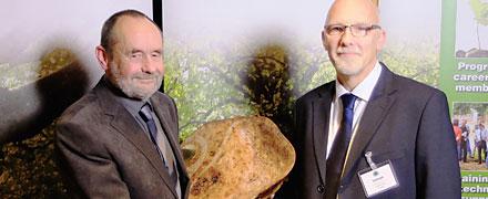 John Harraway win the 2015 Arboricultural Association Award